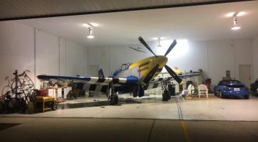 Jeff & Anna Michaels hangar